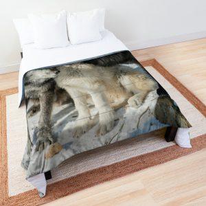 Black Wolves Comforter